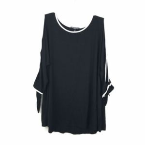Cable & Gauge Black White Open Sleeve Blouse Top